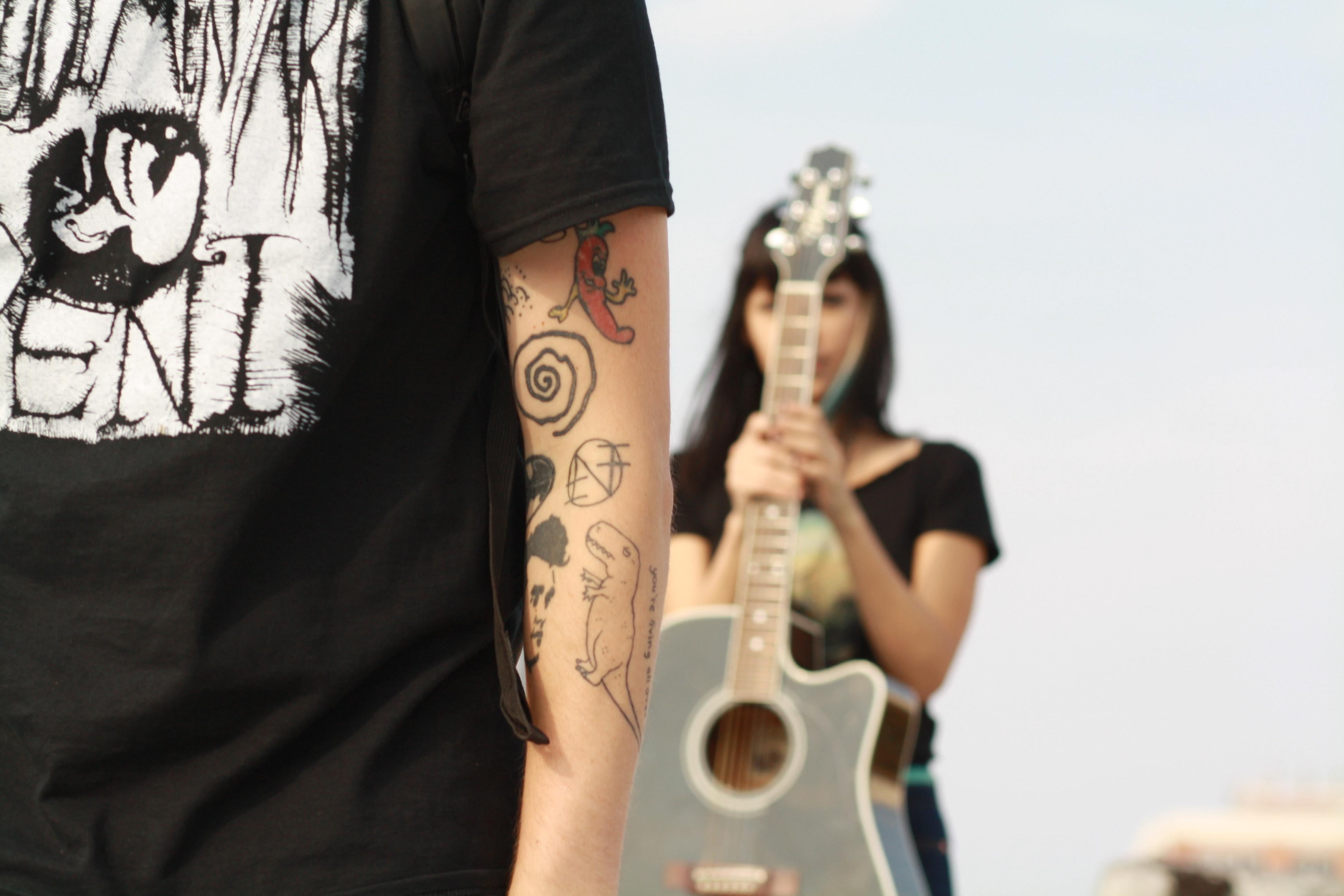 Release Of Morte Form | Alexandra Morte Leaves Whirr Forms Camera Shy Softconcretemag