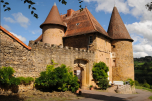 Going to France? Why not live it up like a French noble and stay in a château? https://www.airbnb.com/rooms/353751?s=8